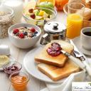 La prima colazione è il pasto più importante della giornata necessario per iniziare con la giusta carica. E' buona abitudine non saltare la prima colazione!